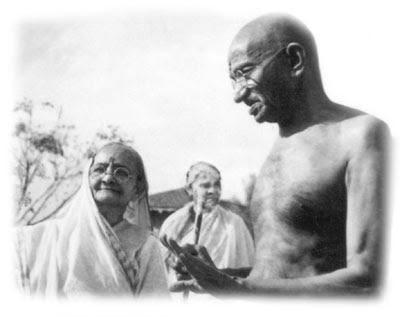 Gandhi With Kasturba At Their Old Age Blue Light Lady