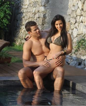 Kim Kardashian Amp Husband Blue Light Lady